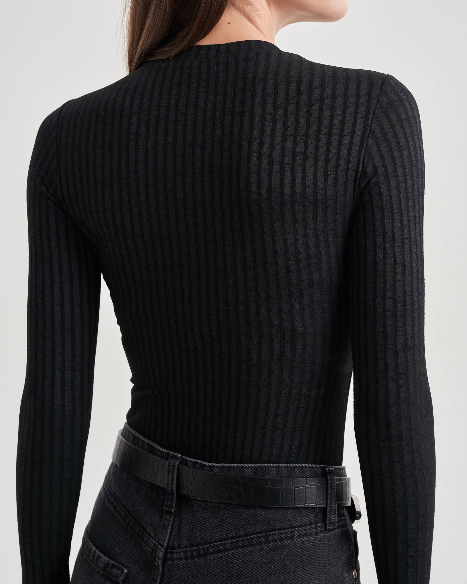 Knit mock-neck