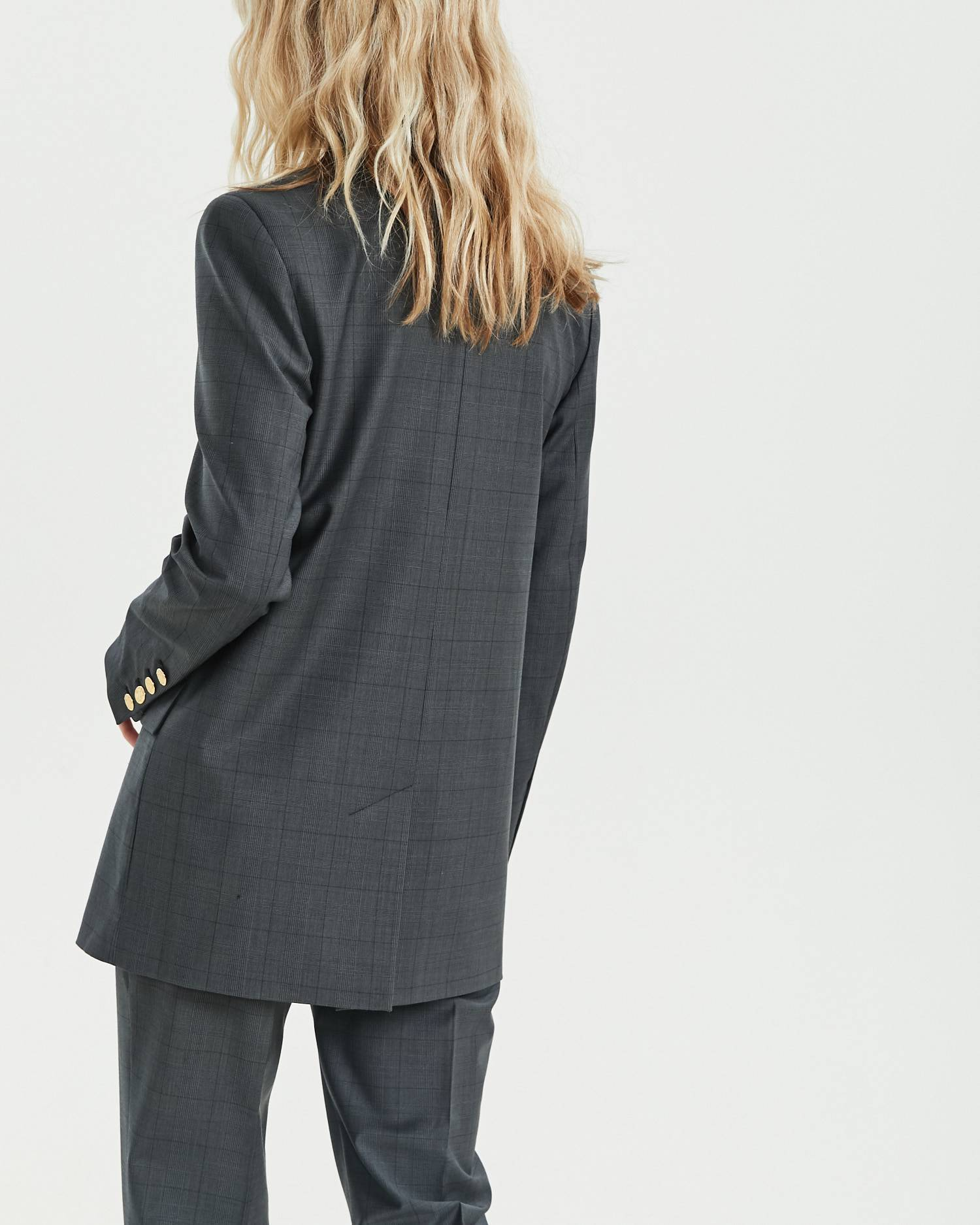 Loose fitted double-breasted blazer