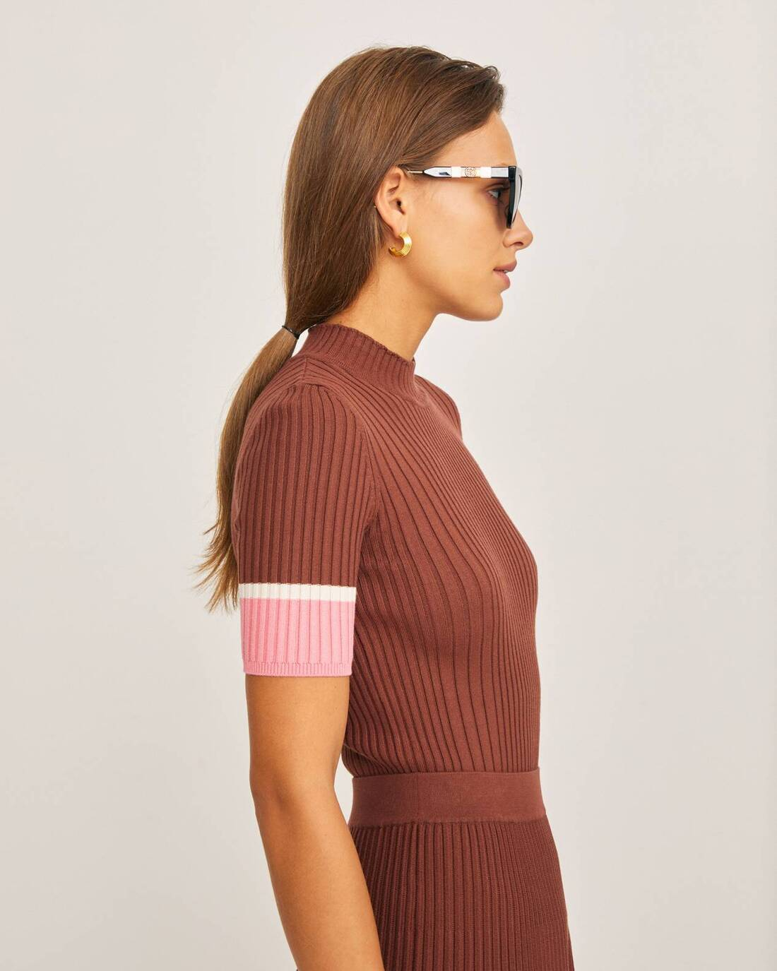 Ribbed top with contrasting stripes