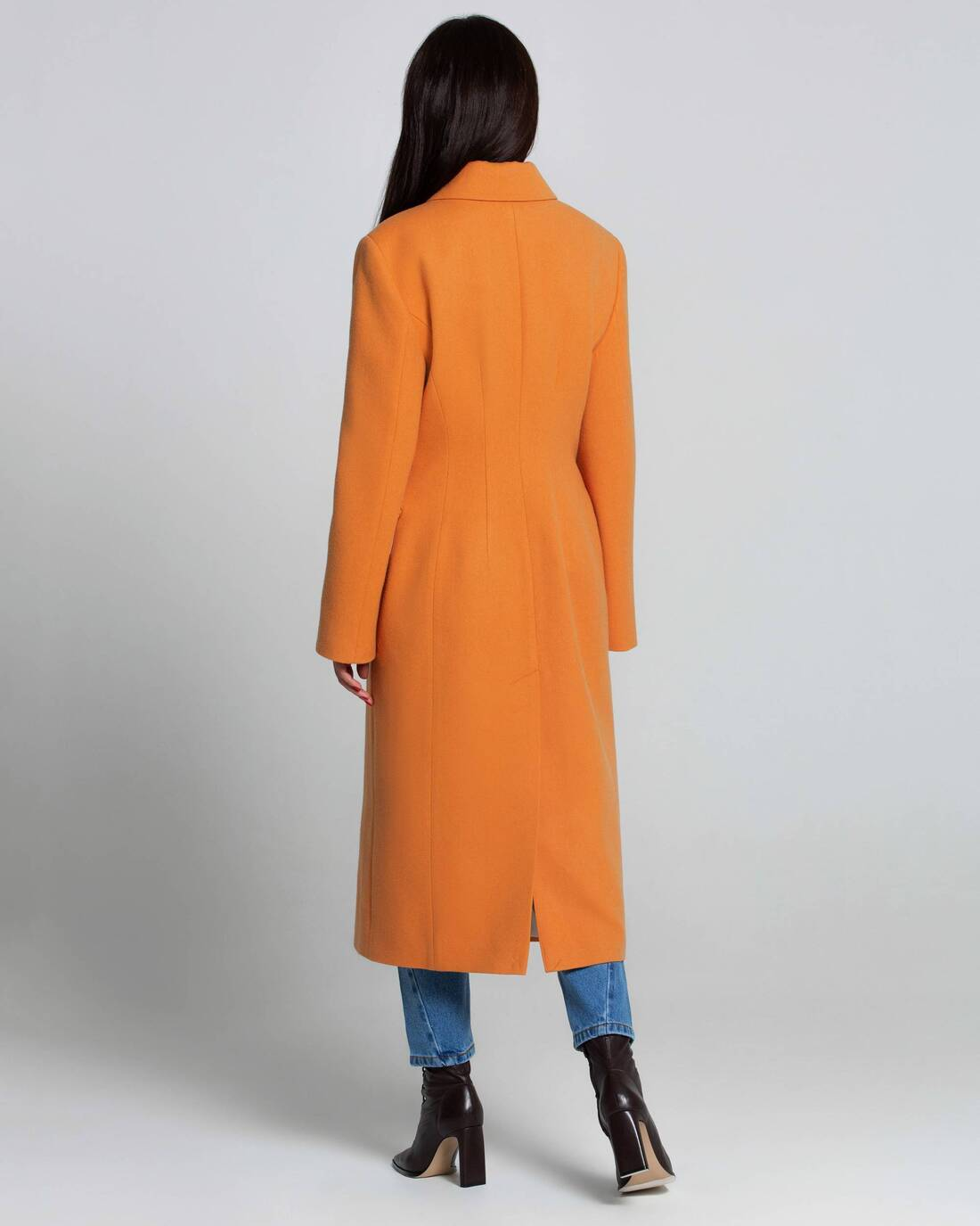 Elongated fitted coat