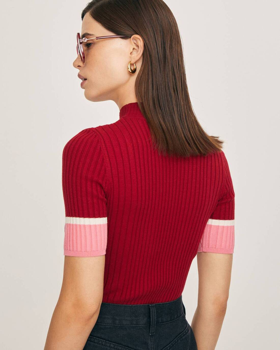 Sweater with contrasting stripes