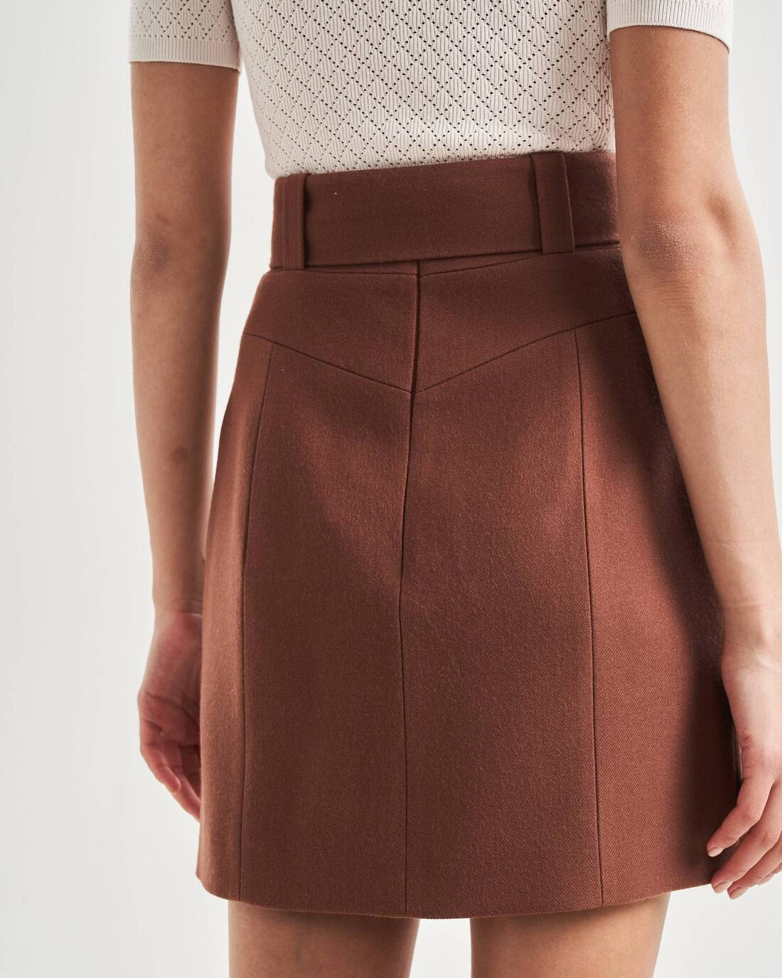 Relief detailed mini skirt