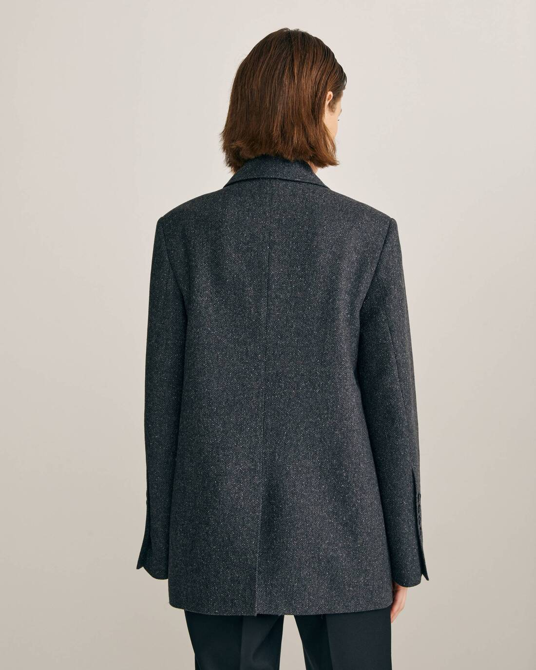 Single-breasted tweed jacket with contrast stitching