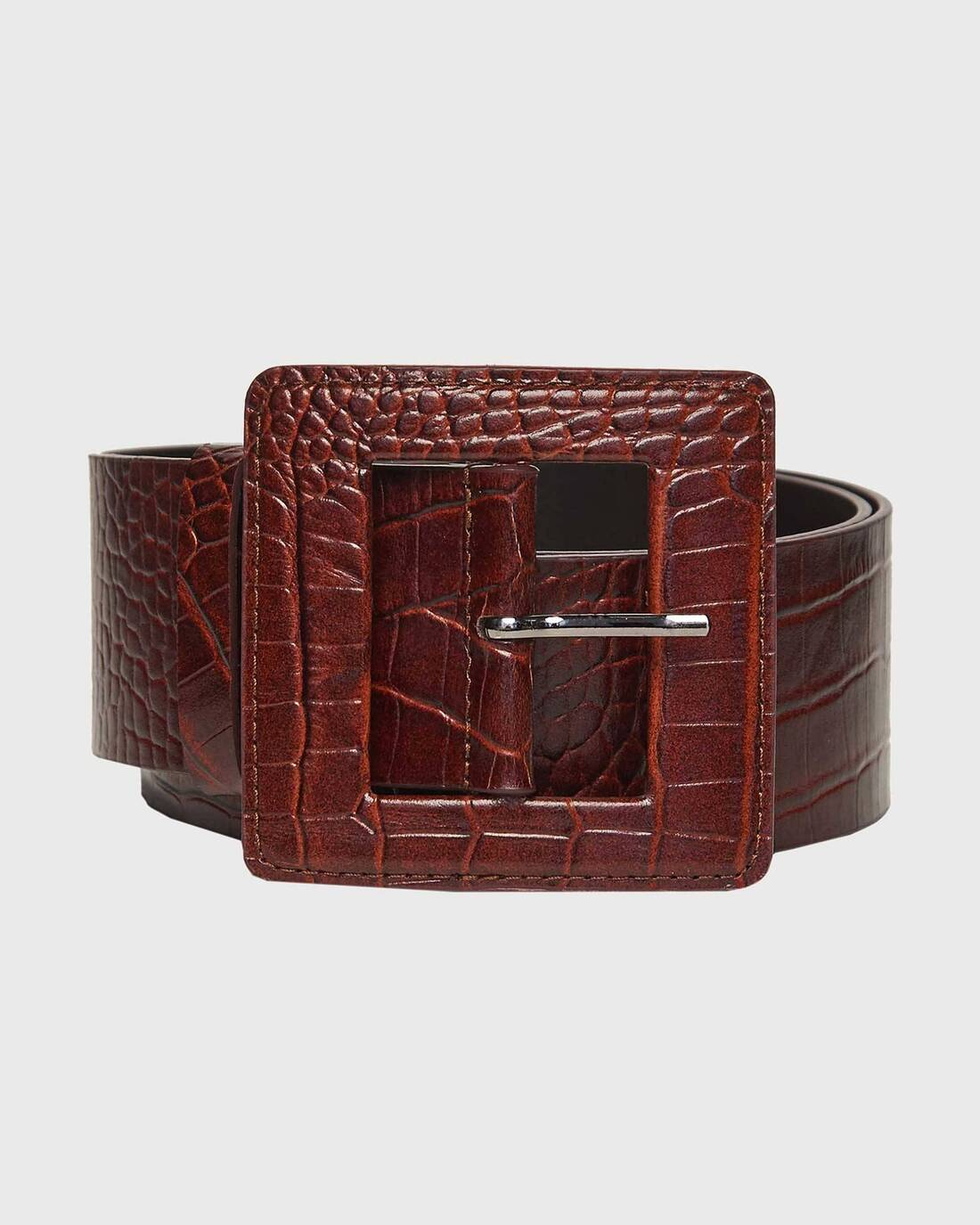 Wide leather belt with square buckle