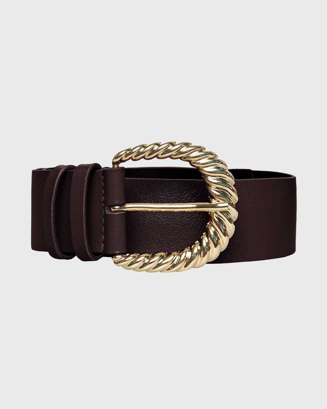Leather belt with wide metallic buckle