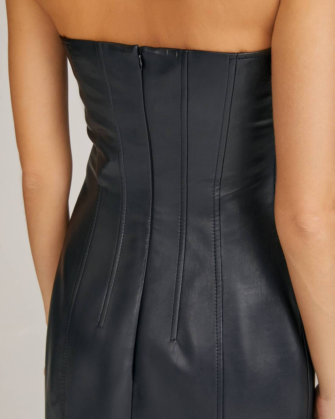 Dress with corset darts