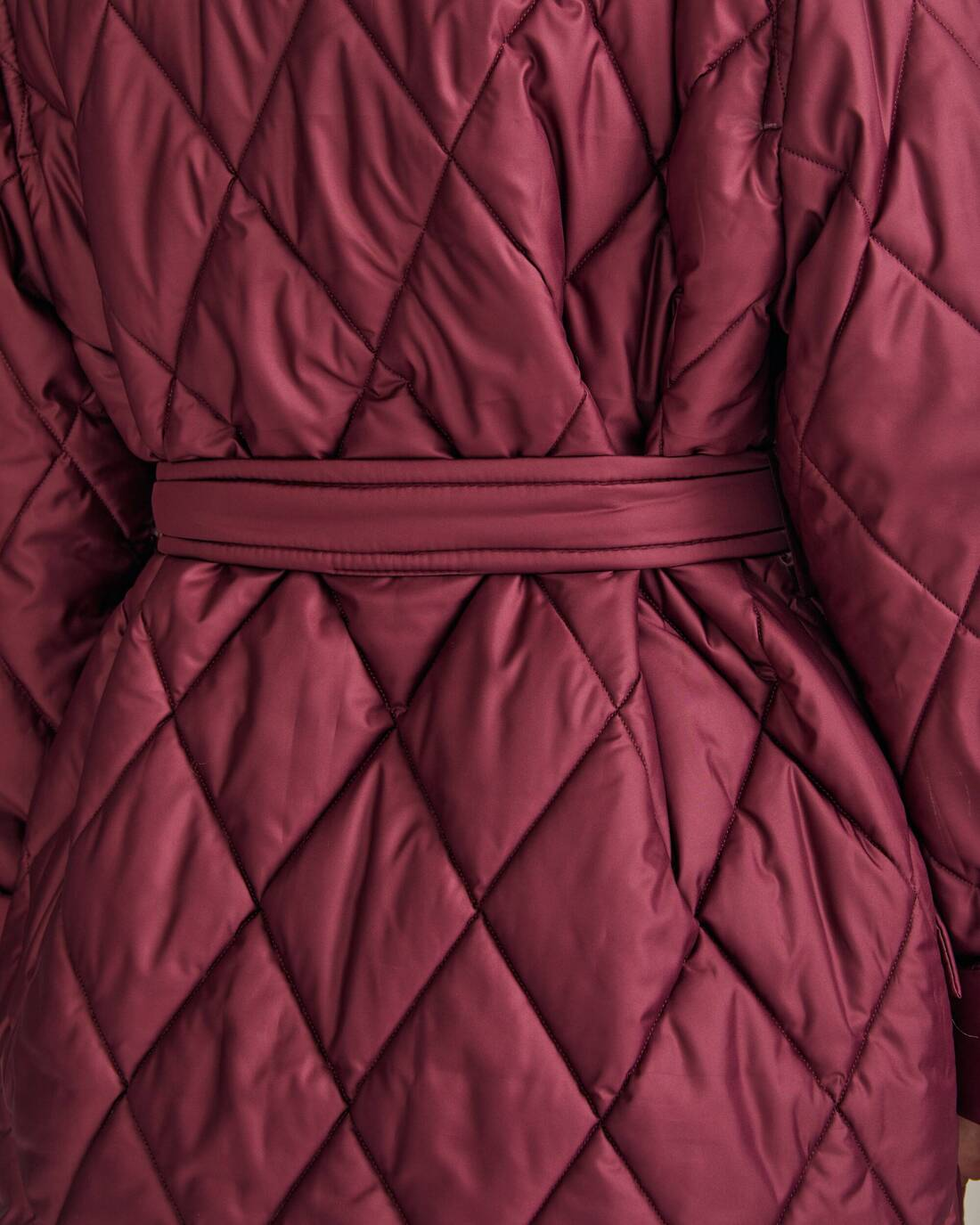 Quilted coat with diamond stitching