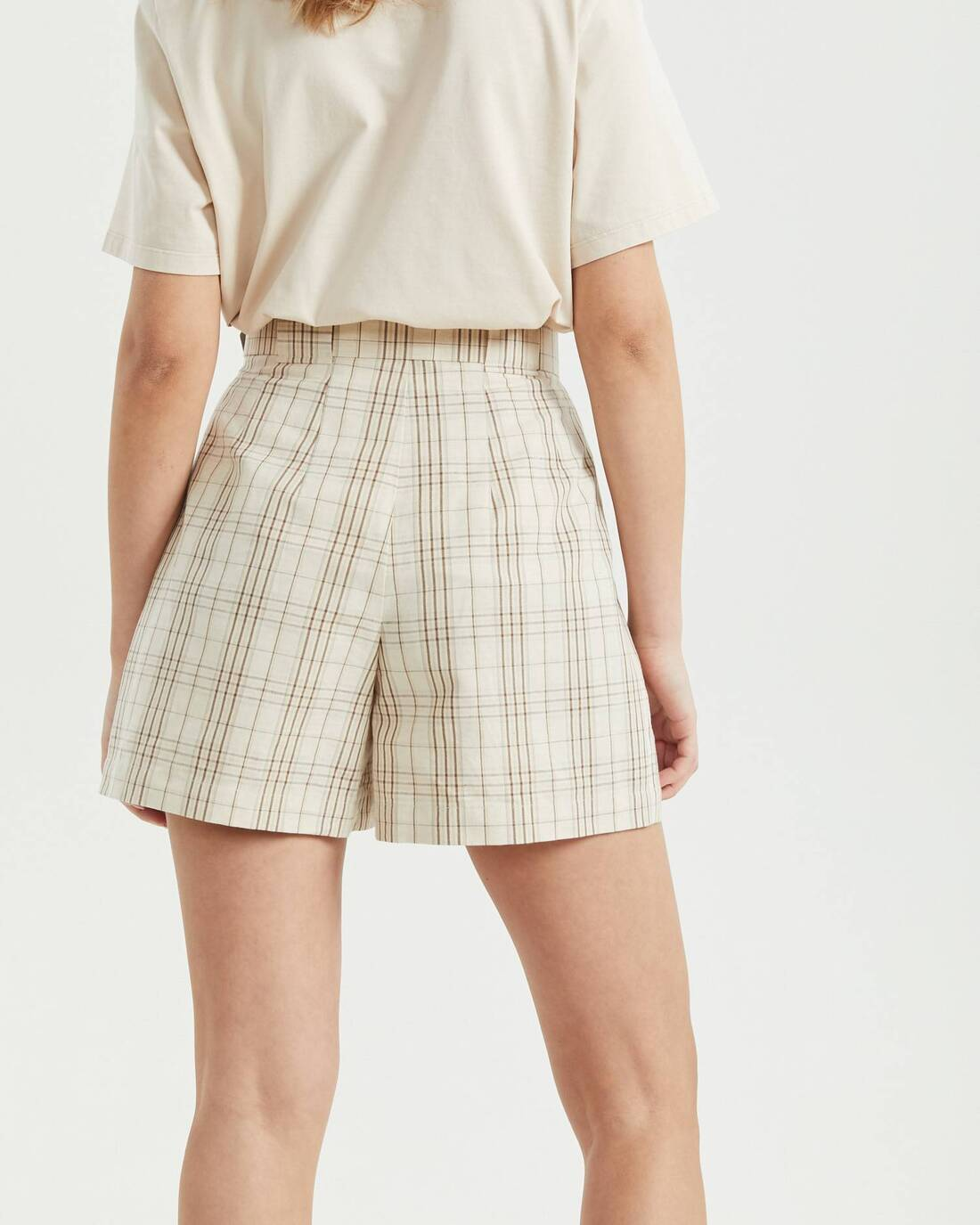 High-waisted checked shorts